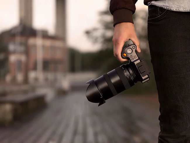hasselblad xcd 35 75mm on hand